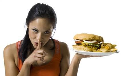 Неправельная пища - причина появление акне